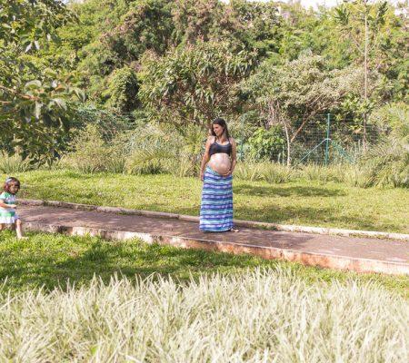 Fotografia de Gestante À espera de Catarina registrado pela fotógrafa BH Márcia Andrade realizado em Belo Horizonte