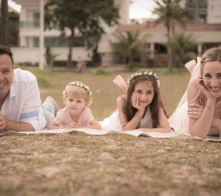 Fotografia de Família Mariana, André, Rafa e Clara registrado pela fotógrafa BH Márcia Andrade realizado em Belo Horizonte