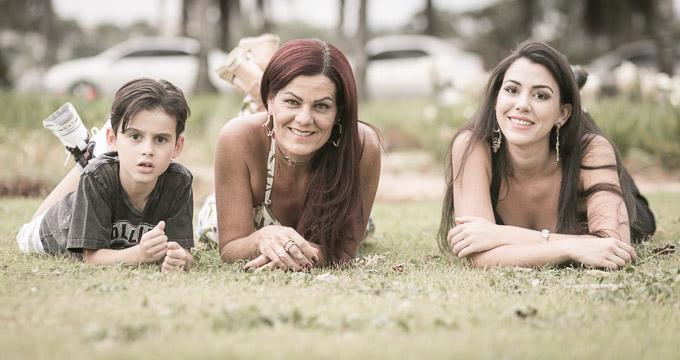 Fotografia de Família Lú, Raphaella e João registrado pela fotógrafa BH Márcia Andrade realizado em Belo Horizonte