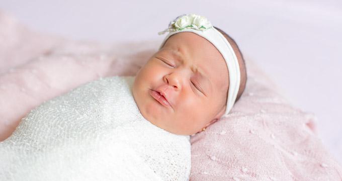 Fotografia de Newborn Catarina 6 dias registrado pela fotógrafa BH Márcia Andrade realizado em Belo Horizonte