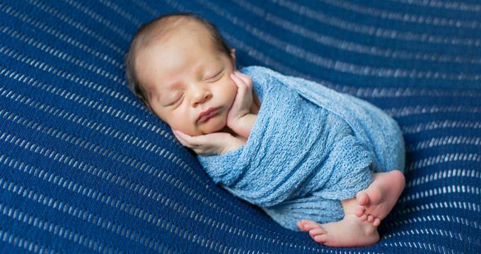 Newborn Dom registrado pela fotógrafa Márcia Andrade em Belo Horizonte